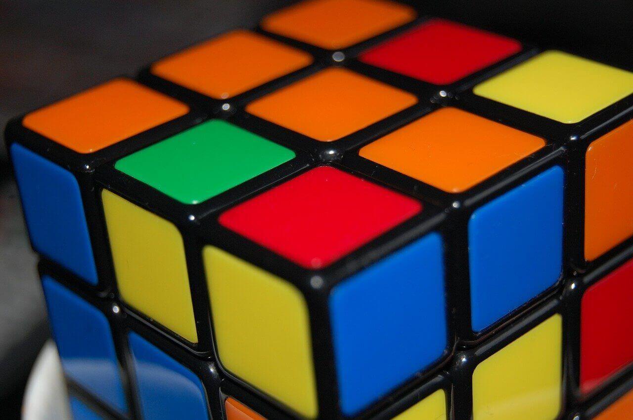 En av 80-talets leksaker - Rubiks kub