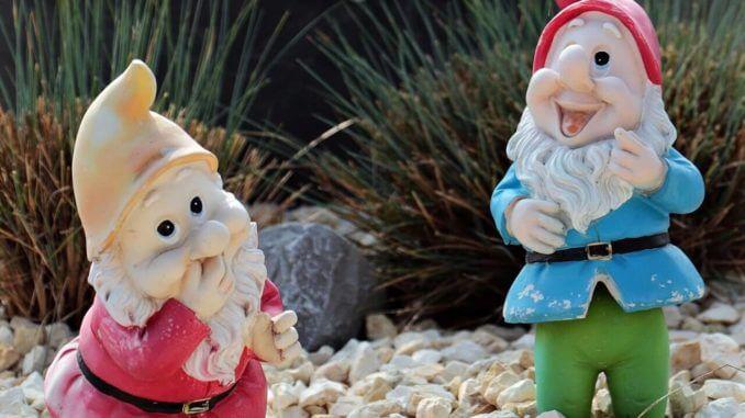 Trädgårdstomtar - nej inte mormors, för hennes är på rymmen!